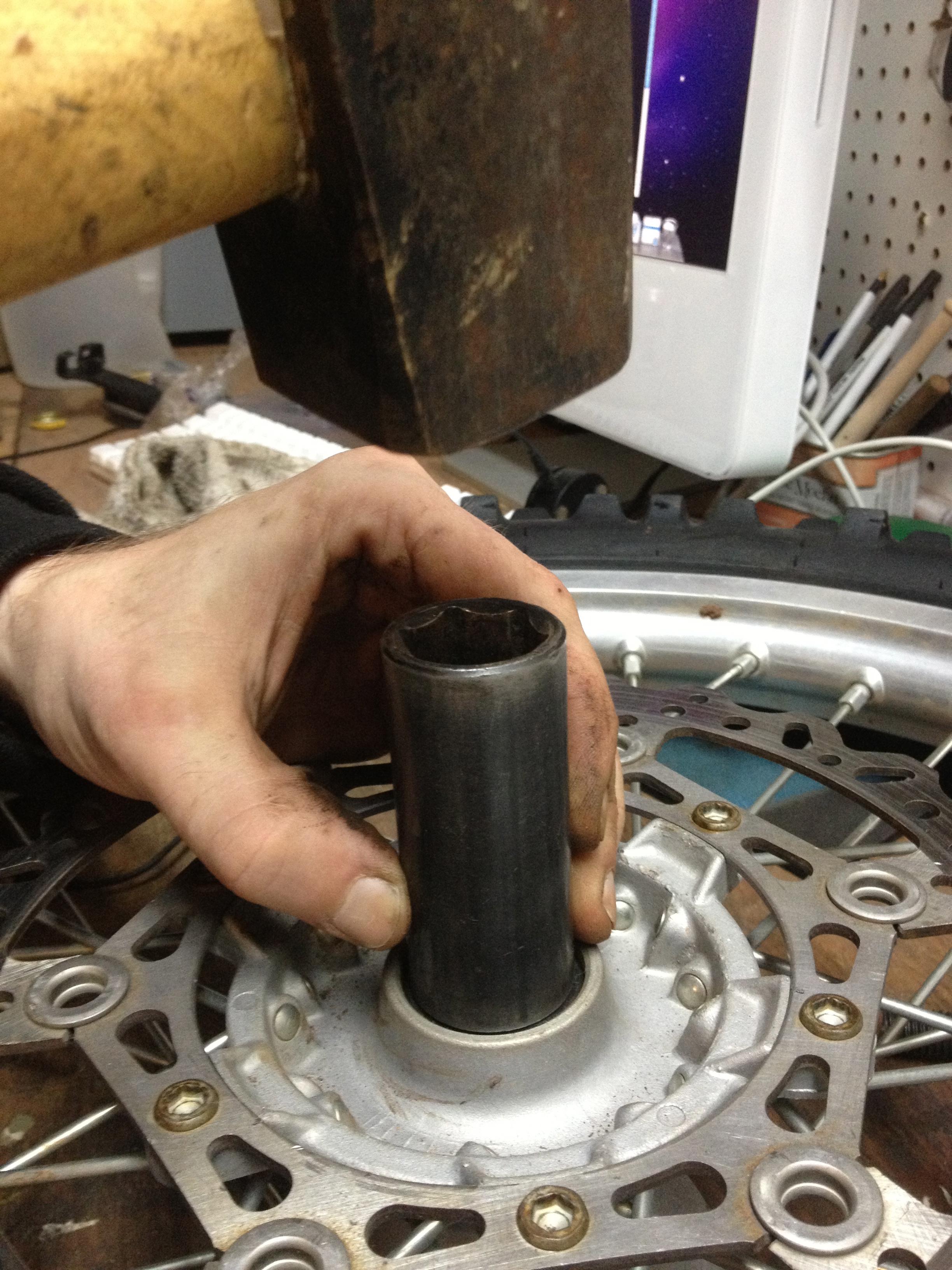 Changing, Wheel Bearings, Removing, Installing Wheel Bearing, Front